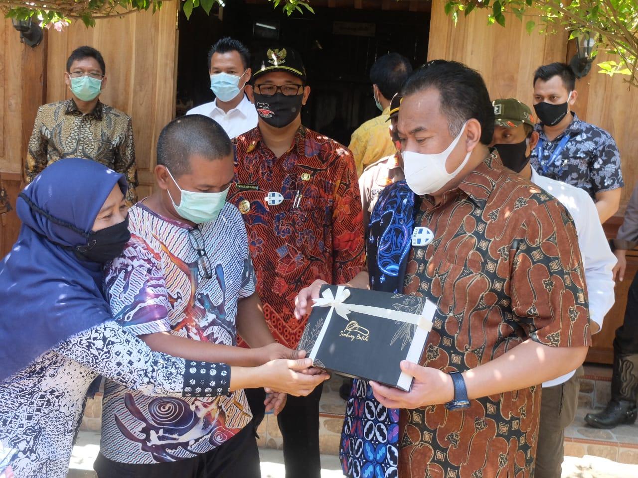 PEMKAB - Berkunjung ke Industri Batik di Kulon Progo ...